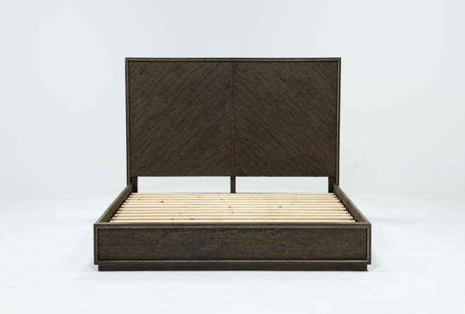 Logan Eastern King Panel Bed - 360