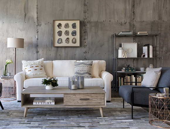 Boho Living room with spelm loveseat