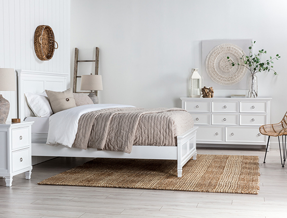 transitional bedroom with albany bed