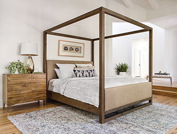 Genial Modern Bedroom With Nelson Bed