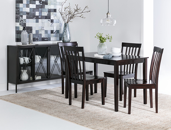 transitional dining room with Carson II dining set