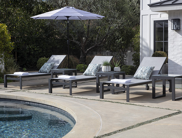 modern patio backyard with ravelo outdoor chaise lounge