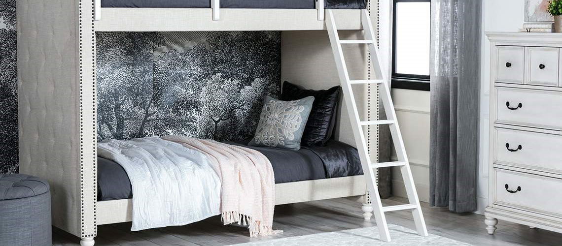 kids room with bunk bed