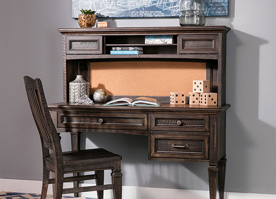 transitional kids desk