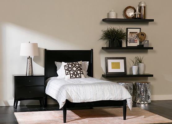 Black And White Decor Trends For The Bedroom Living Spaces