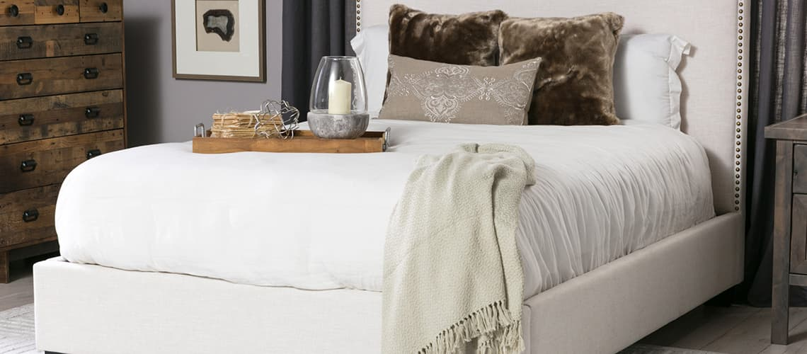 new style 943f0 8eaf7 Panel Bed vs. Platform Bed: What's the Difference? | Living ...