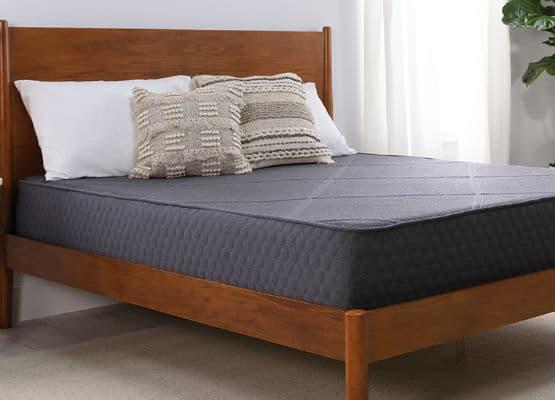 Panel Bed Vs Platform What S The, Does A Platform Bed Have Slats