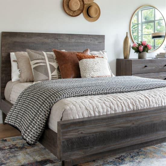 Panel Bed Vs Platform What S The, Platform Bed Bedding
