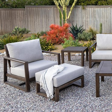 outdoor decor trends square