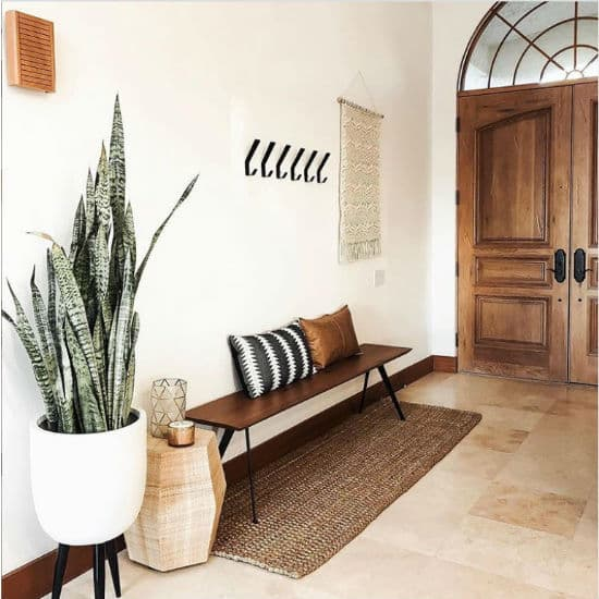 What Is A Foyer How To Decorate One, What Furniture Goes In A Foyer