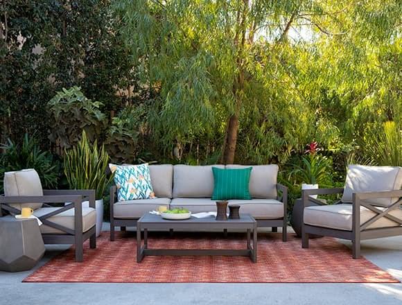 Modern Patio & Backyard with Saint Croix Outdoor 4 Piece Lounge Set