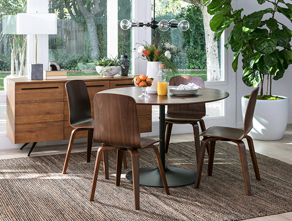 Mid Century Dining Room With Vespa Table