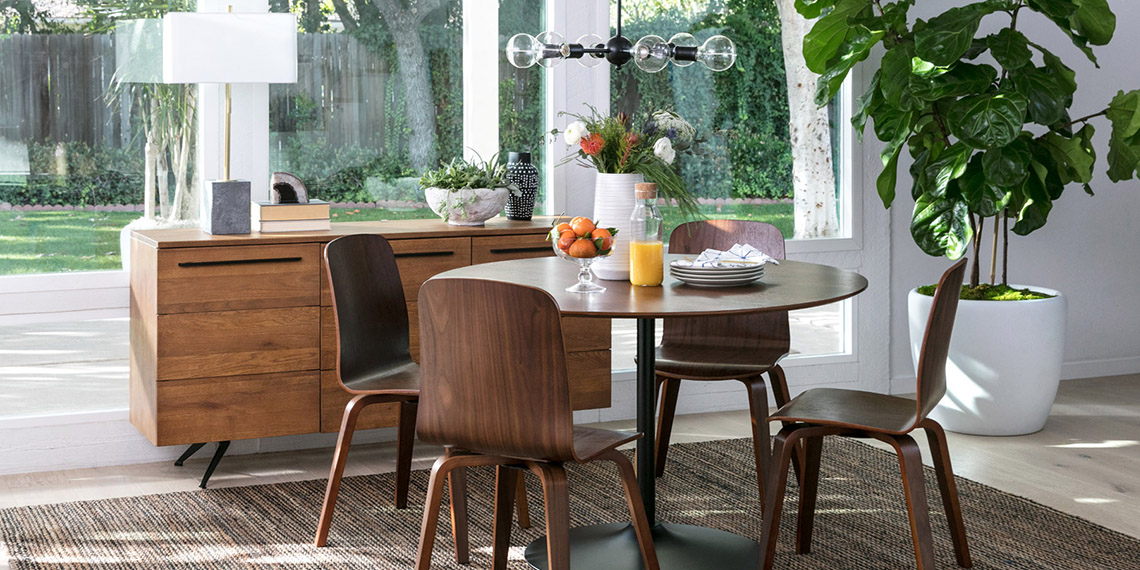 Mid Century Dining Room With Vespa Table Living Es