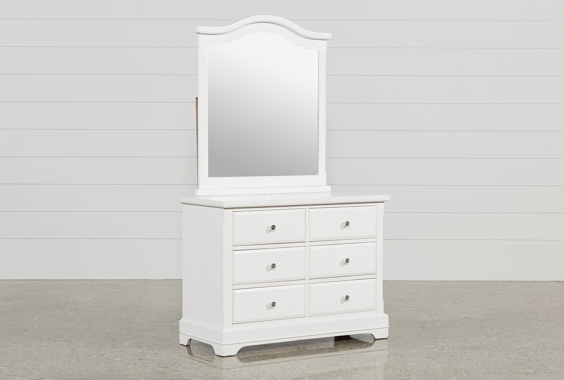 Bayfront Dressermirror Living Spaces