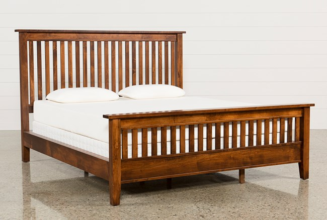 Lloyd Eastern King Panel Bed - 360