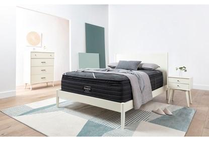 Alton White Eastern King Platform 4 Piece Bedroom Set