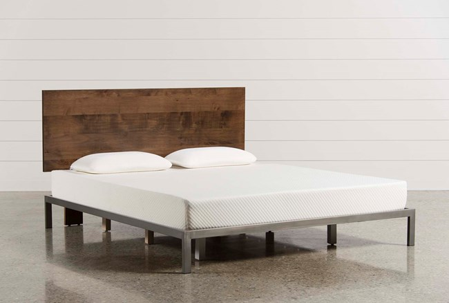 Larson Eastern King Platform Bed - 360
