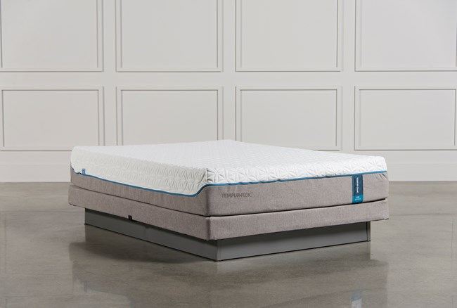 Tempur-Pedic Cloud Luxe Queen Mattress W/Low Profile Foundation