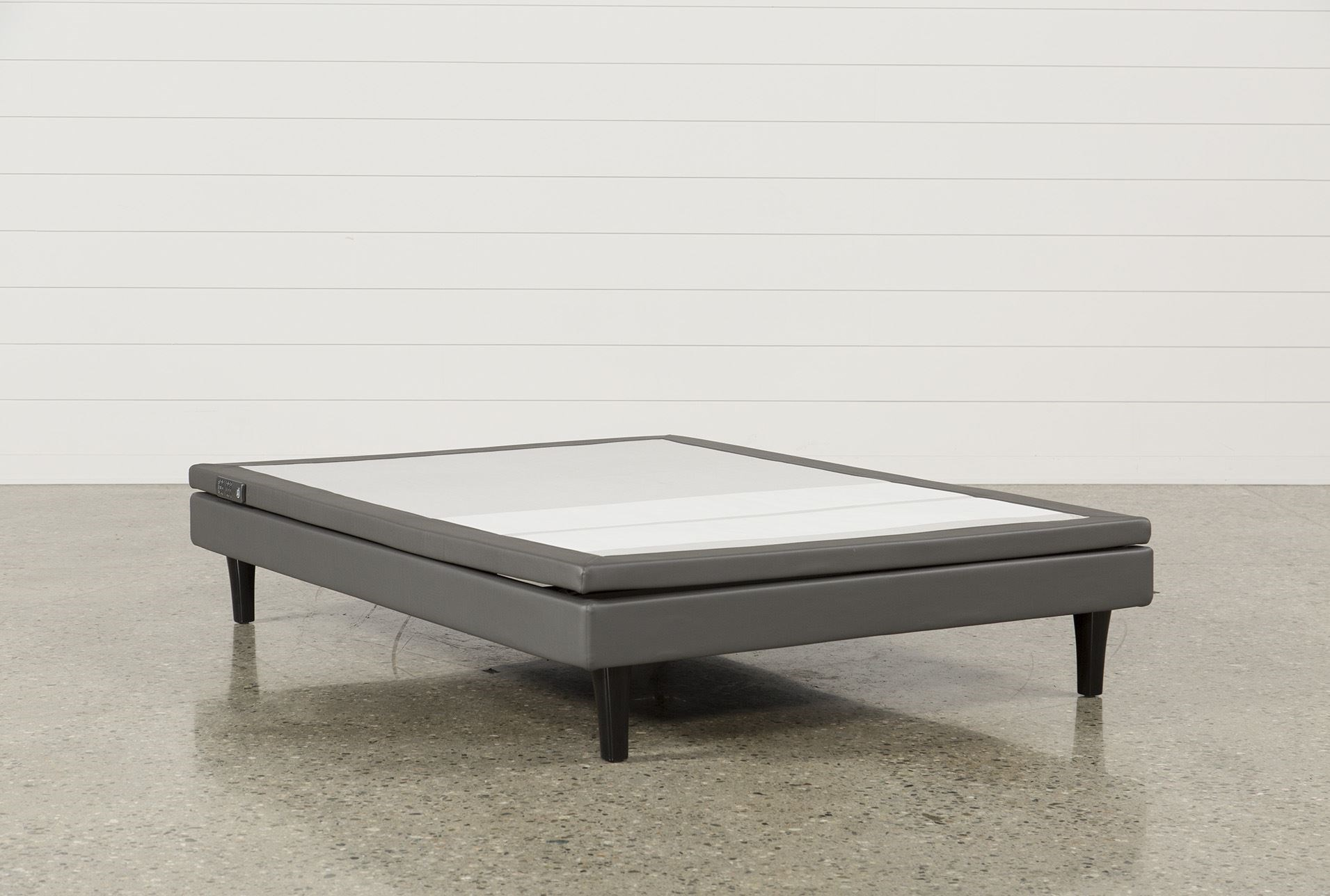 Serta Motion Perfect Iii Queen Adjustable Base Living Spaces