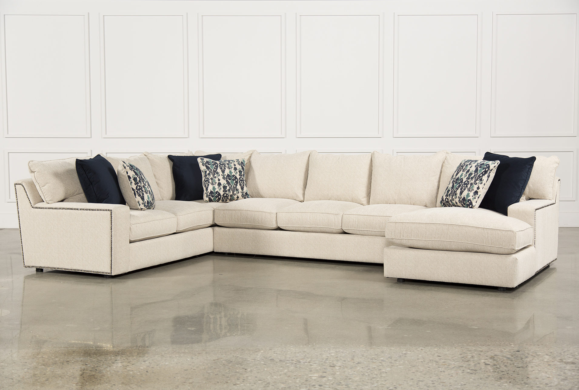 Rennell 3 Piece Sectional W/Raf Chaise