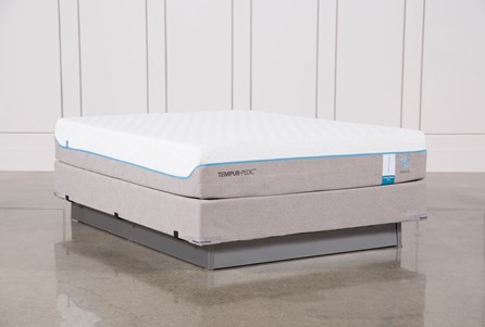 Tempur-Pedic Cloud Supreme Breeze 2.0 Queen Mattress W/Foundation