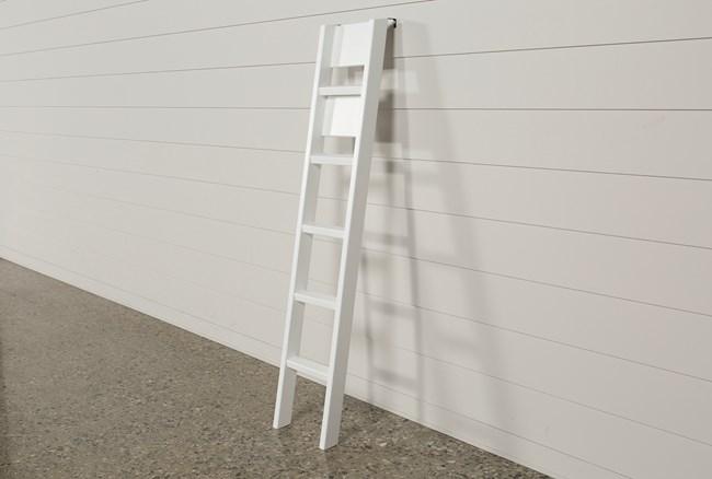 Summit White Ladder - 360