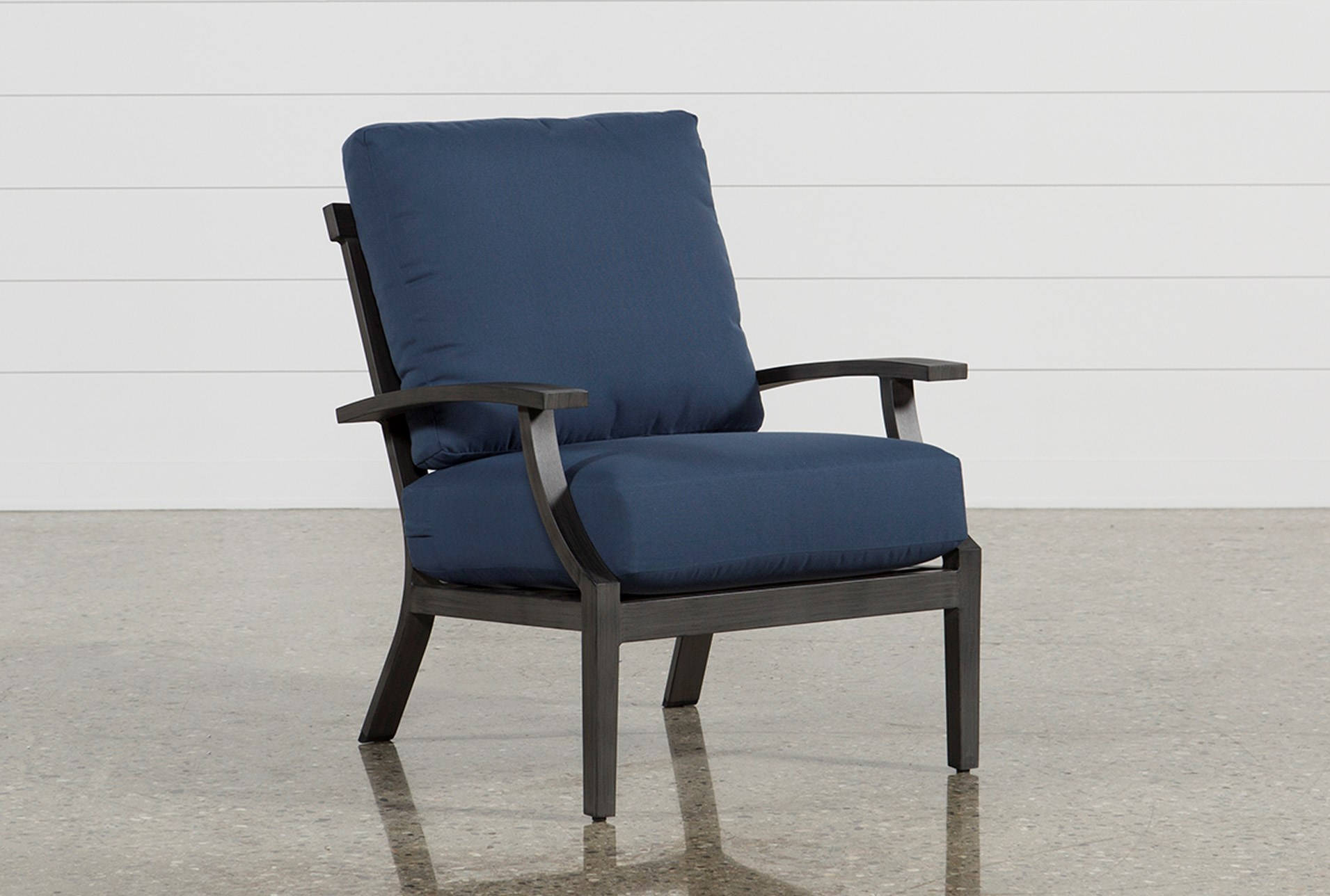 Outdoor martinique navy lounge chair qty 1 has been successfully added to your cart