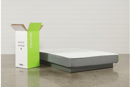 R1 Plush Eastern King Mattress - Main