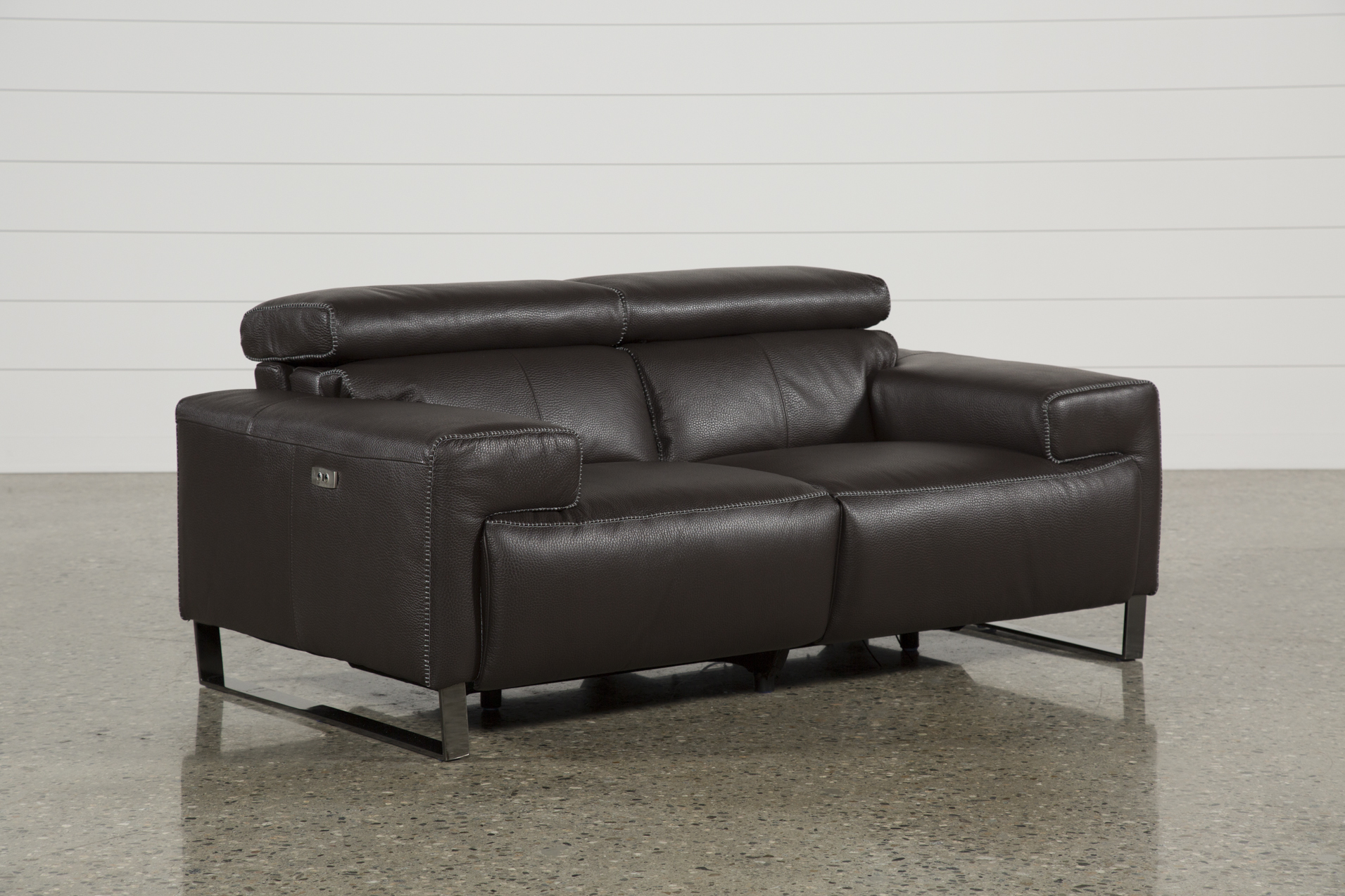 Superbe Carlo Leather Power Reclining Loveseat W/Usb   360
