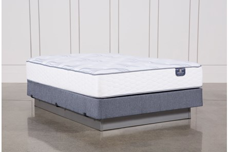 Coralview Plush Queen Mattress W/Foundation - Main