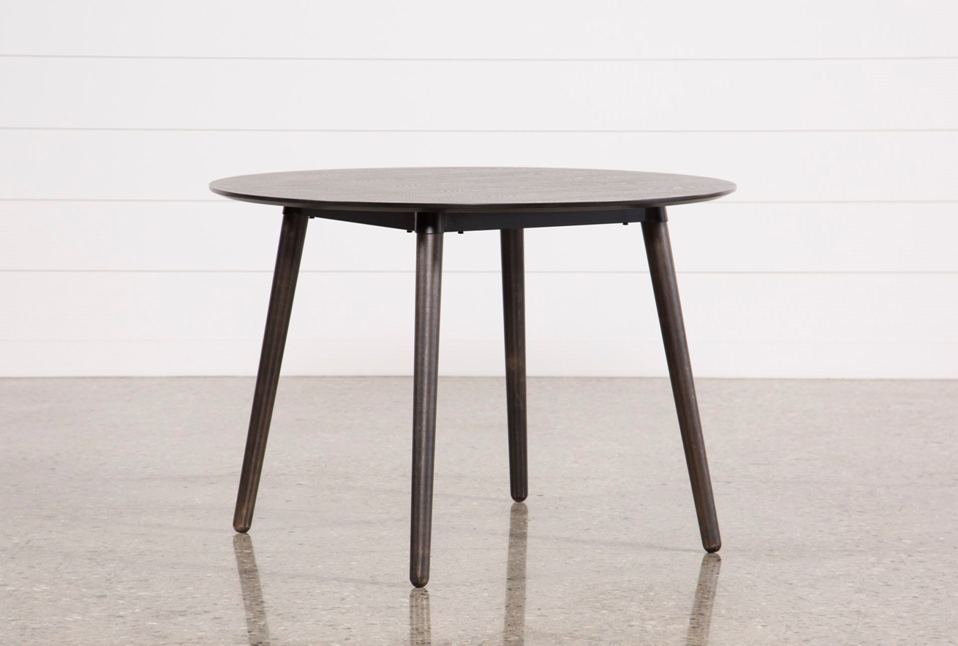 Dining Tables to Fit Your Home Decor
