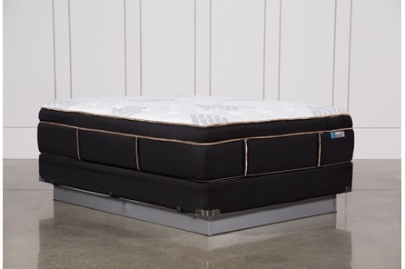 Copper Springs Plush Queen Mattress W/Foundation - Main