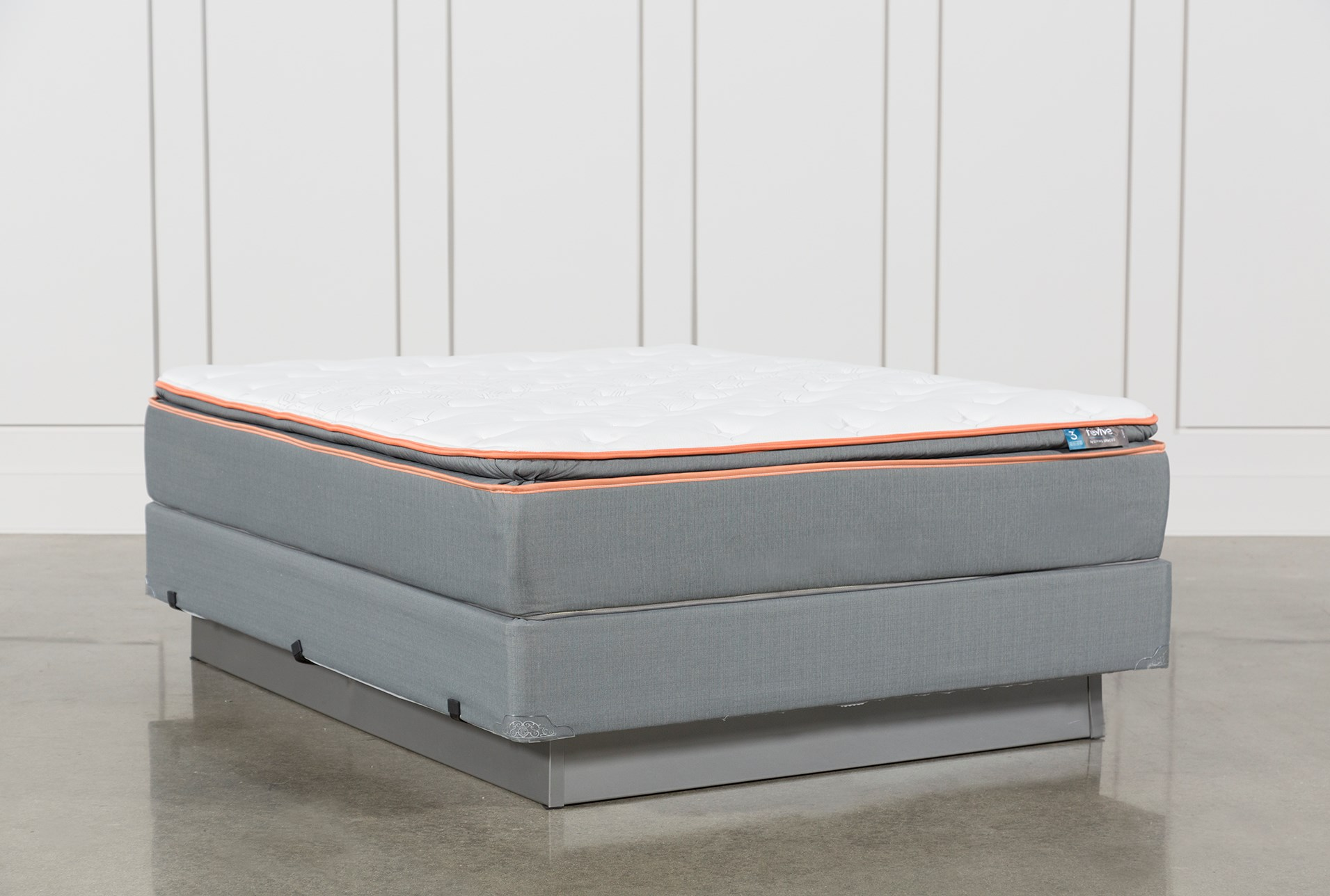 Activize Plush Full Mattress W Foundation