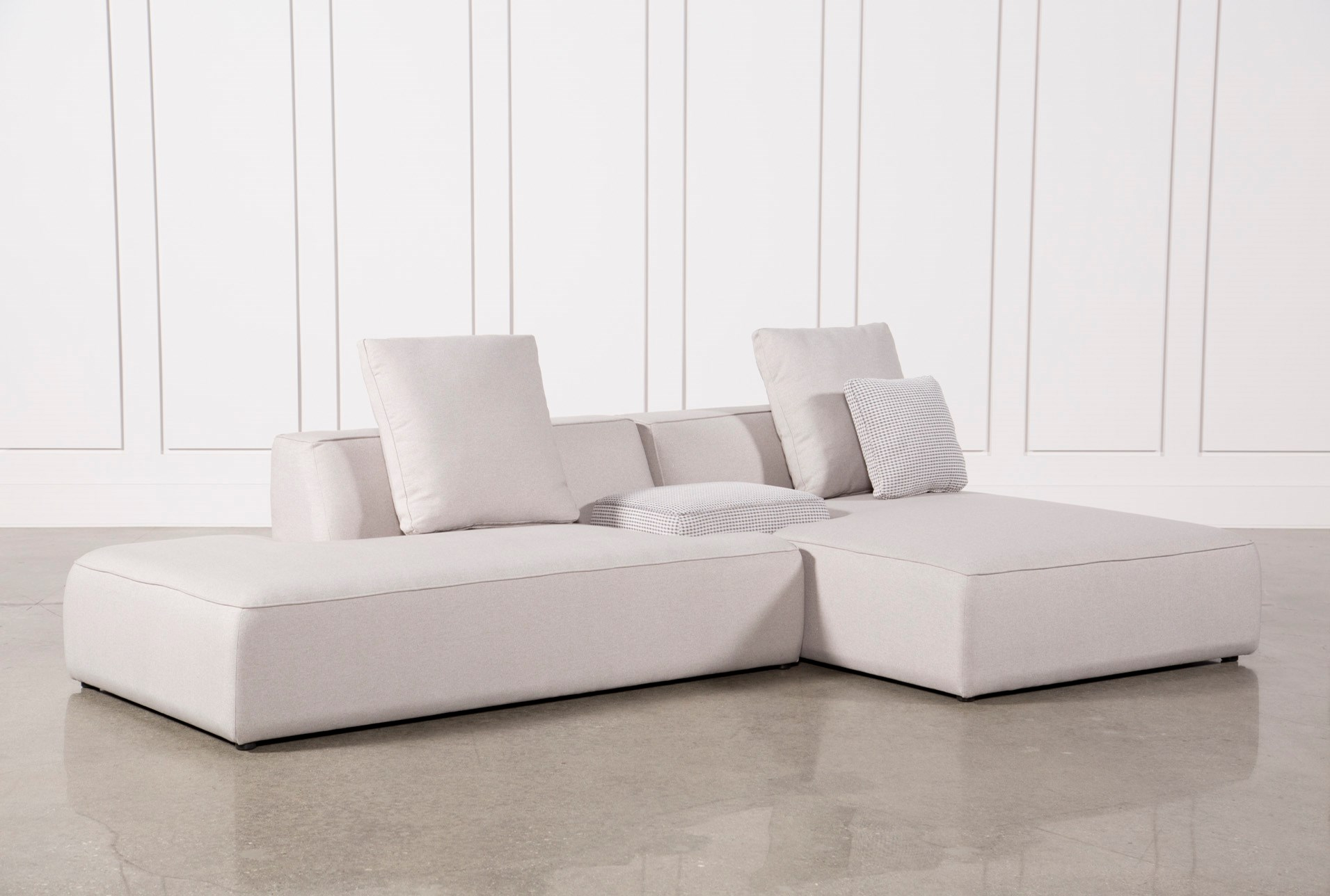 Maggie Light Grey 3 Piece Sectional W/Raf Chaise & Solid Stool ...