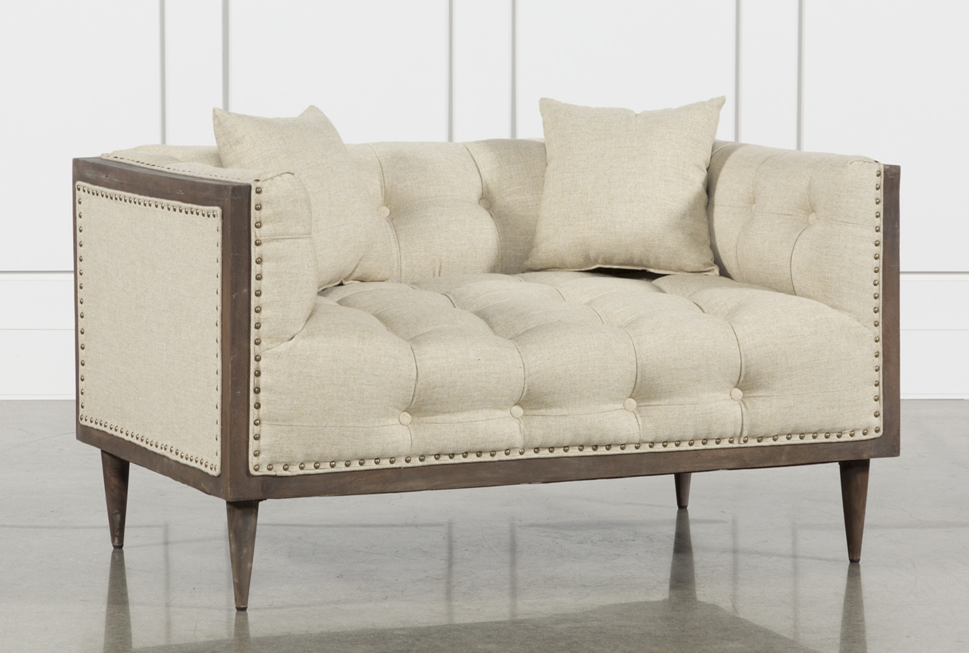 Ordinaire Oversized Tufted Chair Beige   360 Elements