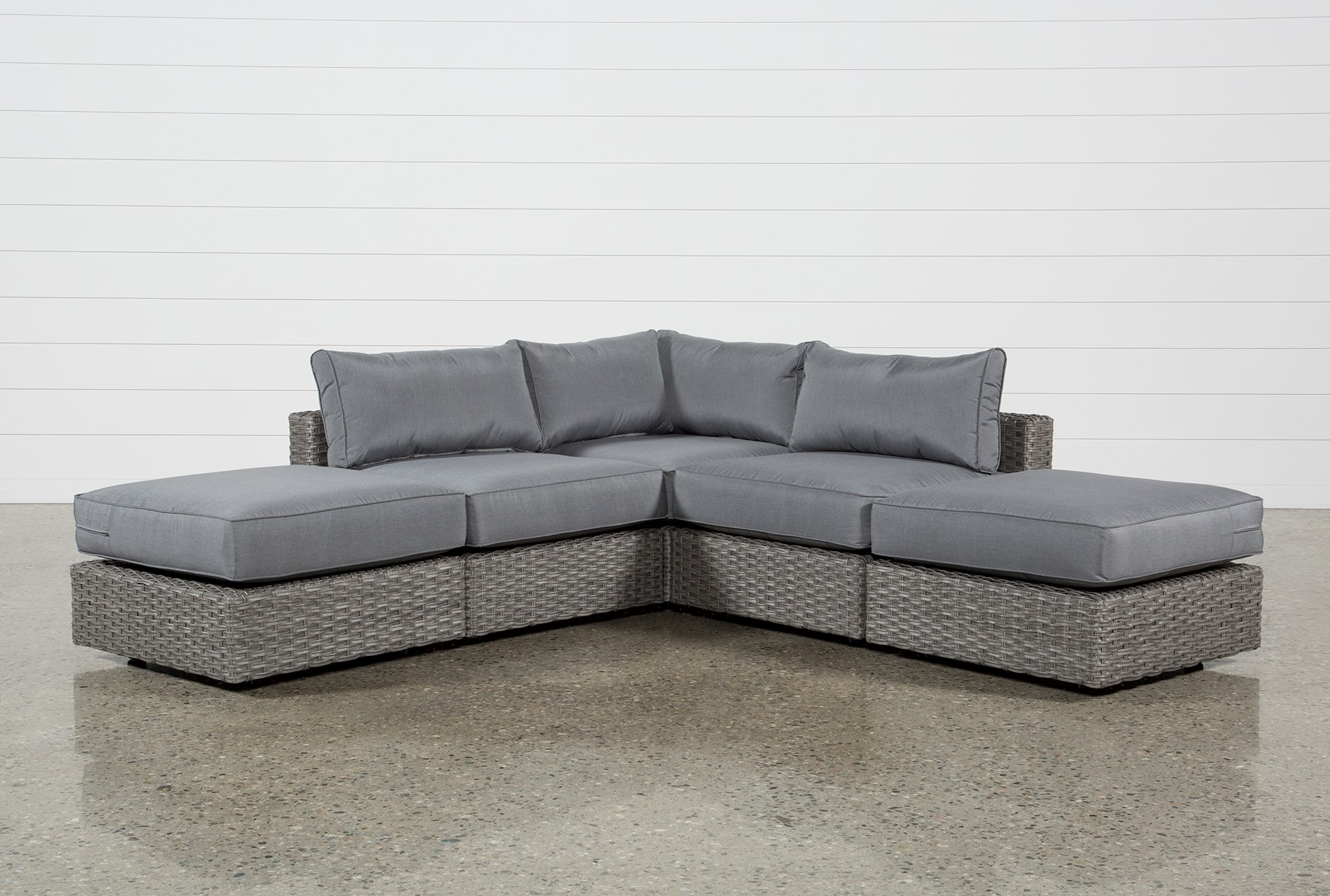 Outdoor Koro 5 Piece Sectional W/2 Ottomans | Living Spaces