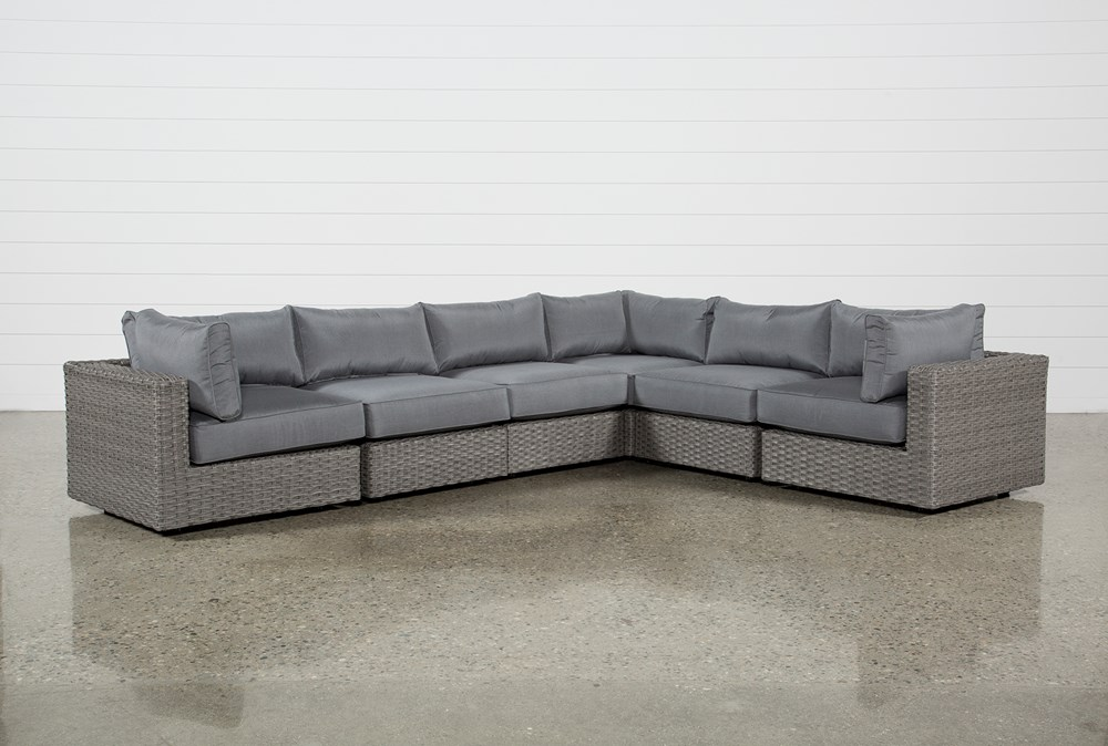 """Koro Outdoor 6 Piece 136"""" Sectional With 3 Corners"""