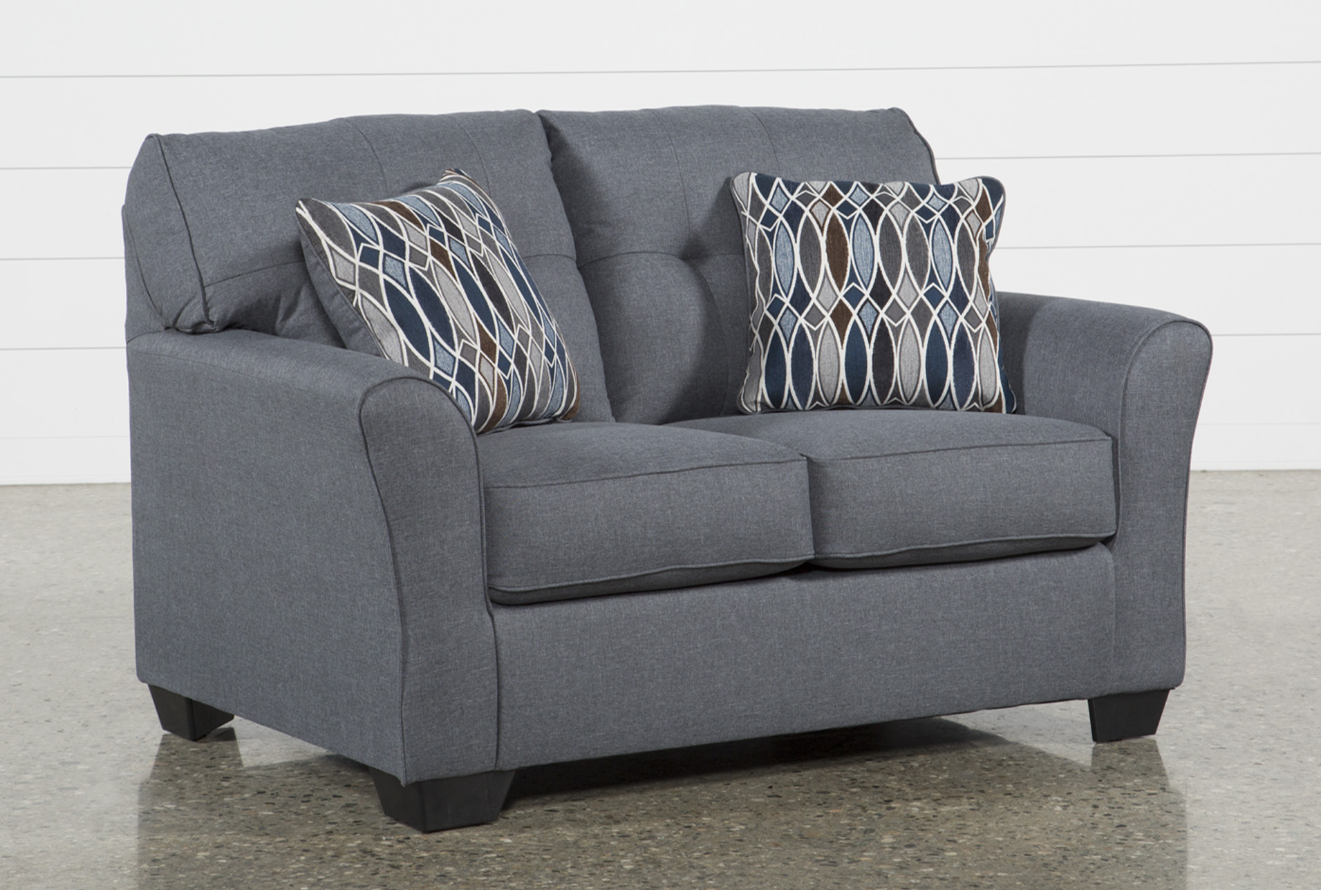 Incroyable Chilkoot Gunmetal Loveseat   360