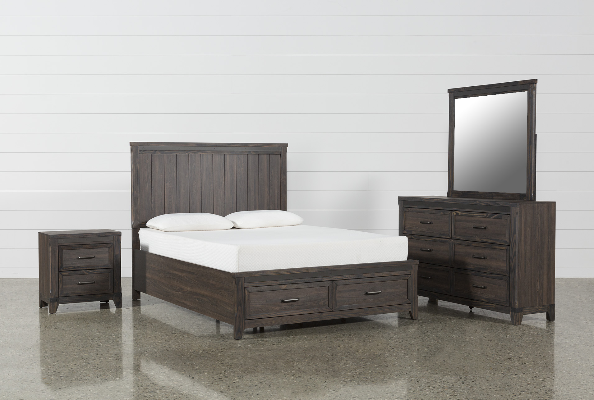 Hendricks 4 Piece California King Bedroom Set