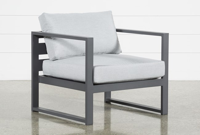 Ravelo Outdoor Lounge Chair - 360
