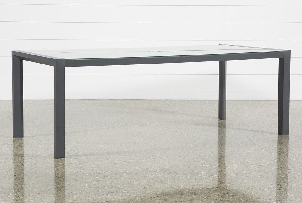 Ravelo Outdoor Dining Table