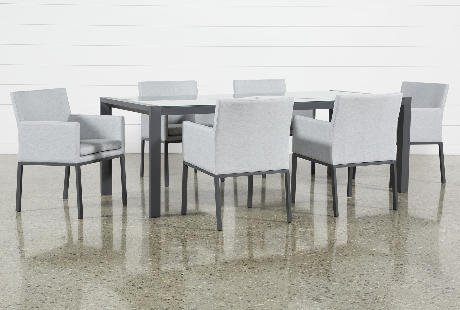 Outdoor Ravelo 7 Piece Dining Set With Upholstered Chairs