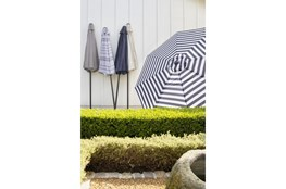 Market Outdoor Umbrella Base