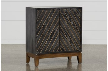 Vee Accent Chest