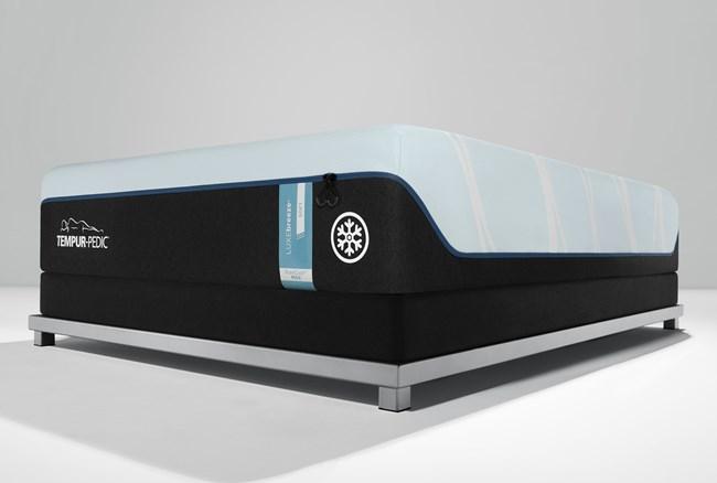 Tempur Luxe Breeze Soft King Mattress - 360