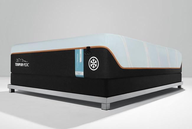 Tempur Luxe Breeze Firm Queen Mattress - 360