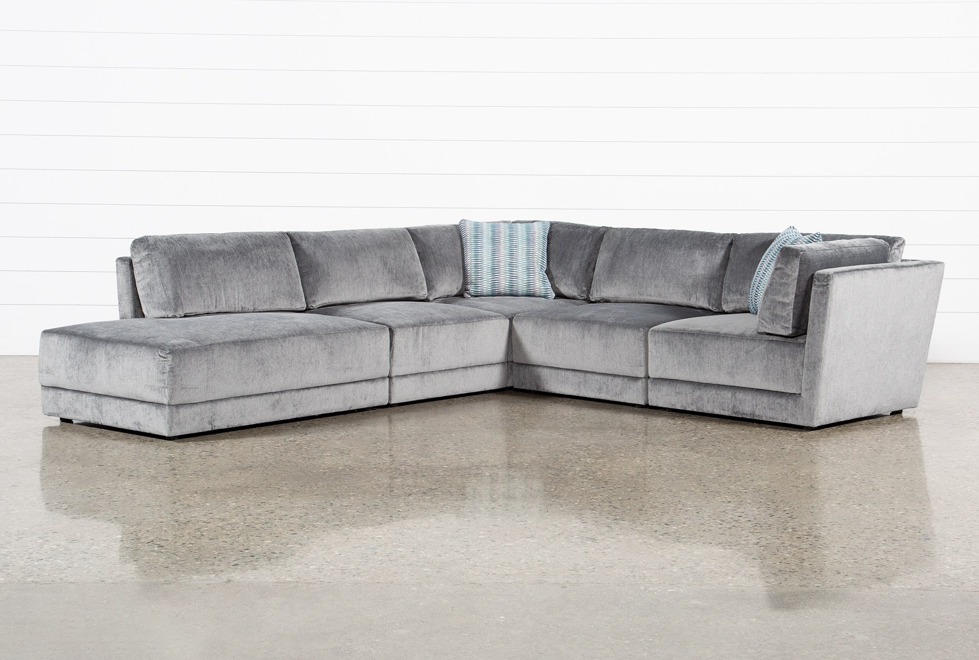 Retreat 5 Piece Sectional With Left Facing Bumper Chaise