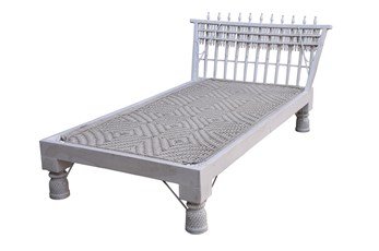 Jhapakee Day Bed