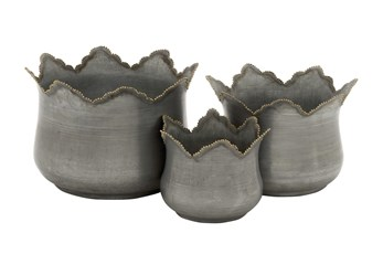 Farmhouse Petal Edge Iron Planters Set Of 3