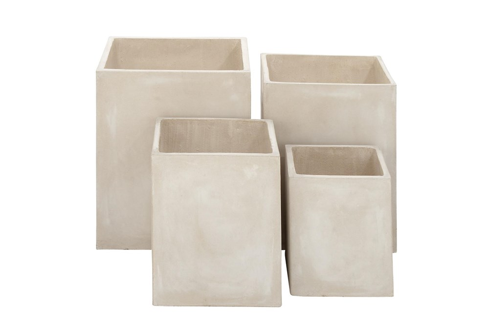 White 21 Inch Fibrclay Planter Set Of 4